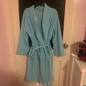 l.l. bean blue bathrobe